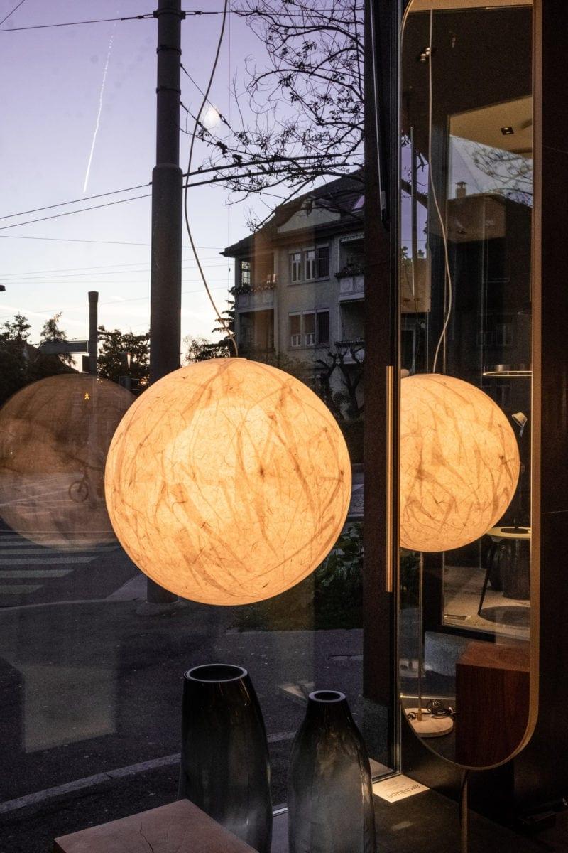 Aussergewoehnliche-Design-Lampen-Zuerich_archiluce-Moon-Davide-Groppi